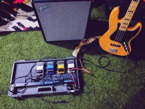 エレキギターとエフェクター