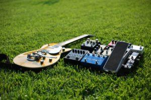 エフェクターとエレキギター